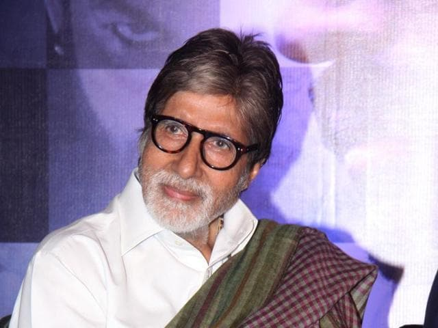 The fan scaled the huge wall of Amitabh's Juhu bungalow to sing a song for the actor.