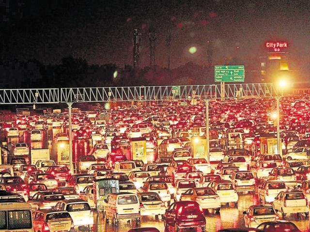 Snarls were reported from the Gurgaon Expressway on Monday evening after rain in Delhi. Chief minister ML Khattar was also delayed by over 10 minutes following reports of jam near Rajoukri..