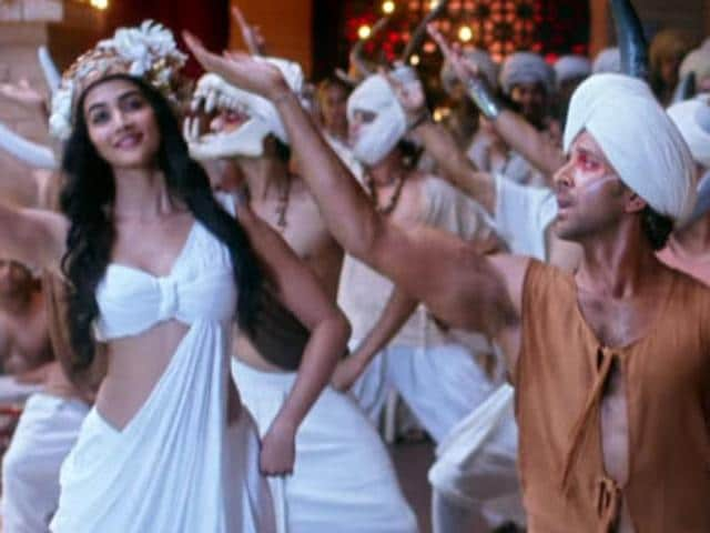 Hrithik Roshan and Pooja Hegde have three pasionate kissing scenes in Ashutosh Gowarikar's Mohenjo Daro. However, that does not seem to have fettered the CBFC - the board has cleared the film without any cuts.