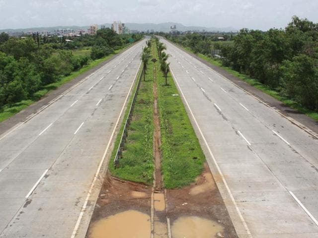 The project, termed 'prosperity corridor' for backward regions of Marathwada and Vidarbha, is proposed to be completed in the next three years.