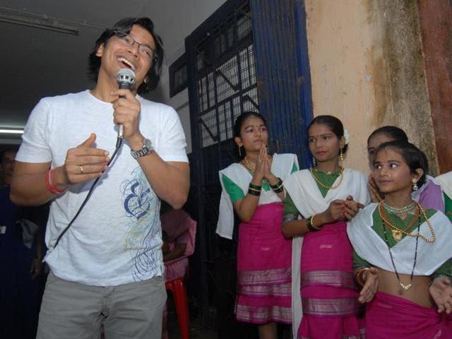 Kabi nazrul Islam,Nazrul Geeti,Khuji Tare
