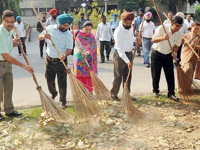 Guru Nanak Dev University officials, faculty and students have been organising cleanliness drives as part of Swachh Bharat Mission. The present drive will culminate on the Independence Day.