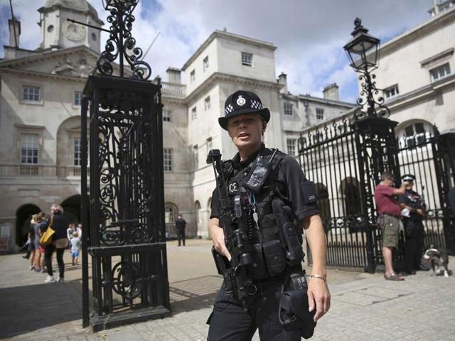 Terror in Europe,London Underground,cops on London streets
