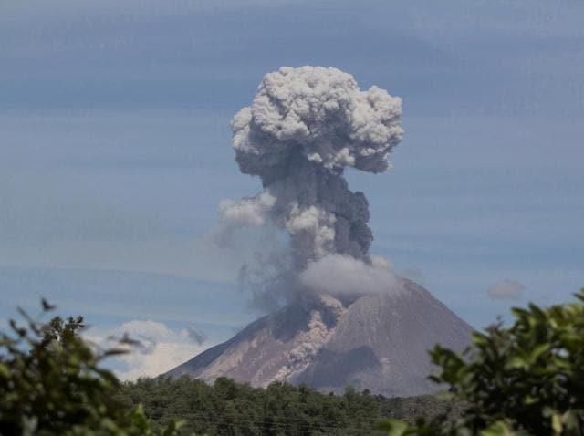 VOlcanic eruptions in Indonesia,Indonesia,Indonesia volcanoes