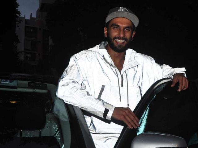 Ranveer Singh was clicked sporting the 'anti-pap' jacket. International celebs such as Paris Hilton and actor Cameron Diaz has been spotted wearing anti-flash scarves.
