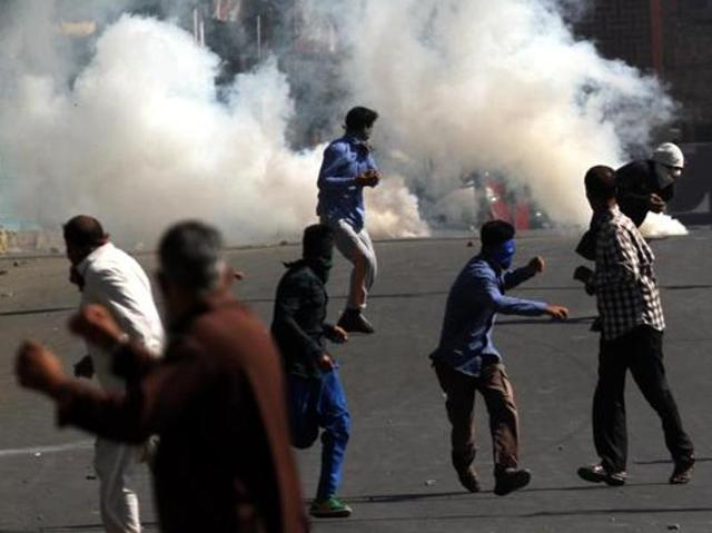 """""""In its continuous drive against the hooligans and miscreants 349 accused persons have been arrested in the Valley. Besides, 122 have been detained under prohibitory provisions of law,"""" a police spokesman said."""