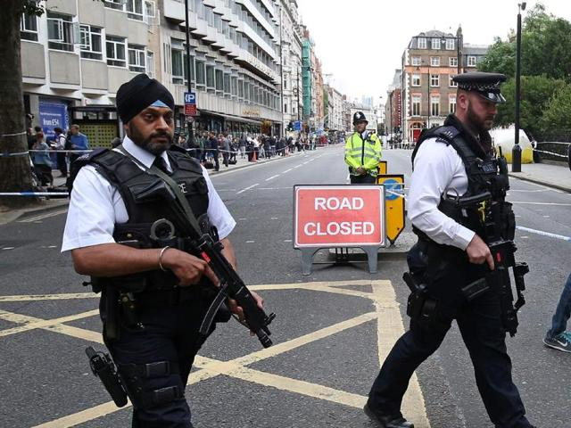 London on alert,london knife attack,russel square attack