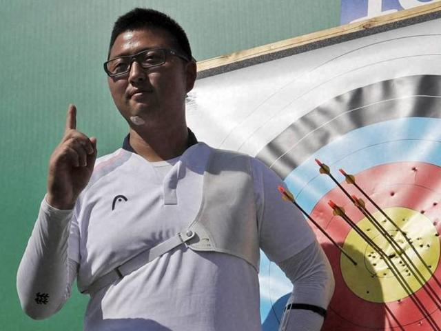 South Korea's Kim Woo-jin set a world record score of 700 during the ranking round of the men's individual archery in Rio on Friday.
