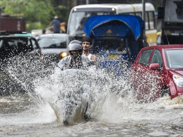 Mumbai rain,Trains,Water Fountains