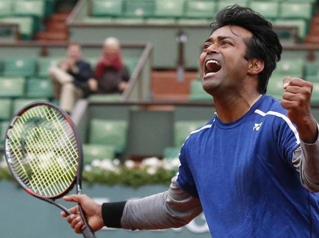 Leander Paes has quashed reports of him refusing to share a room with Rohan Bopanna at the Games village.