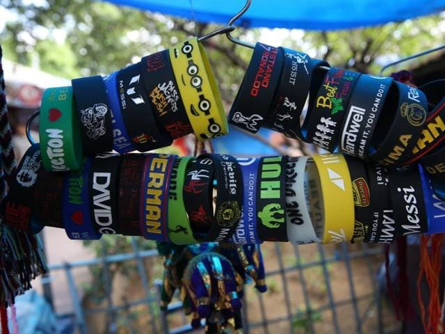 Dilli Haat offers a variety of fancy friendship bands at economical prices.