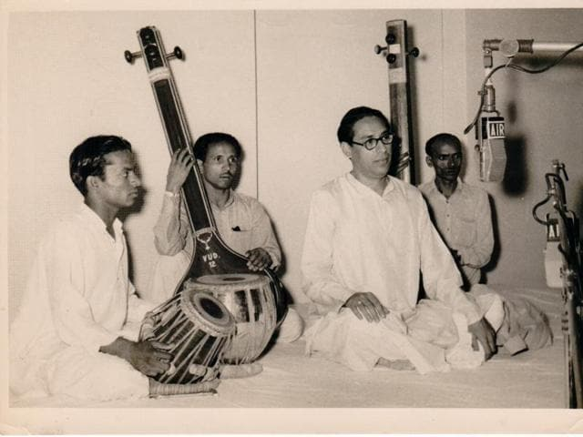 India's first Prime Minister was a regular visitor at the All India Radio office. Here, seen with AIRartistes after a programme.