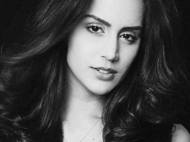 Brazilian beauty Larissa Bonesi worked in a Bollywood film, GoGoa Gone, in the past.