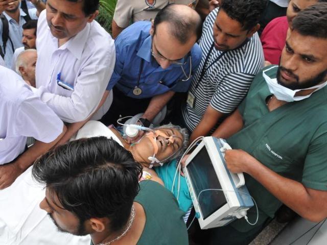Senior Rashtriya Swayamsewak Sangh (RSS) leader, Brigadier Jagdish Gagneja (retd) being taken to be shifted to DMCH, Ludhiana from a private hospital in Jalandhar on Sunday.