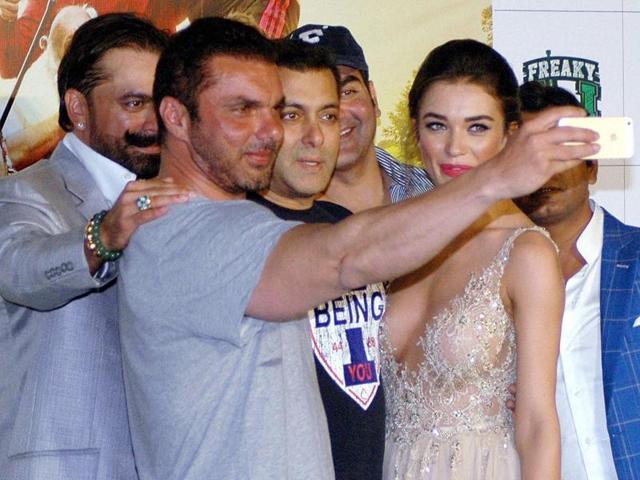 Actors Salman Khan, Arbaaz Khan, Nawazuddin Siddiqui , Amy Jackson and filmmaker Sohail Khan at the trailer launch of their upcoming film, Freaky Ali, in Mumbai on Sunday.