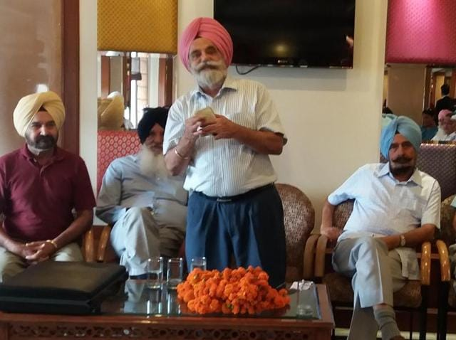 Chairman of the United Front of Ex-Servicemen major general Satbir Singh (retd) speaking during a meeting in Jalandhar on Sunday.