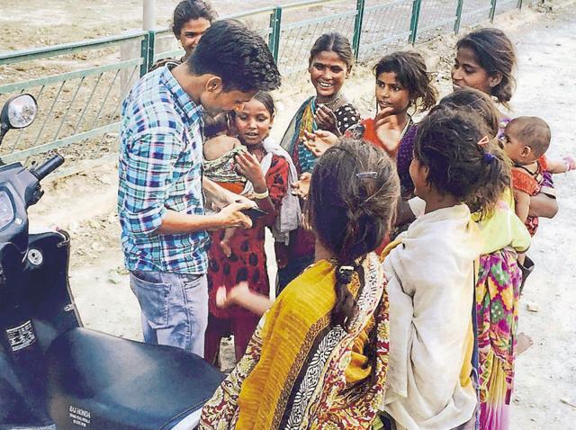 Child begging,begging,Patiala