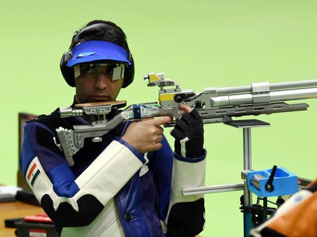 India's Abhinav Bindra has reached his third Olympic final.