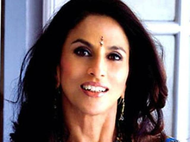 Shobhaa De has come under scrutiny for criticising Indian contingent on twitter.