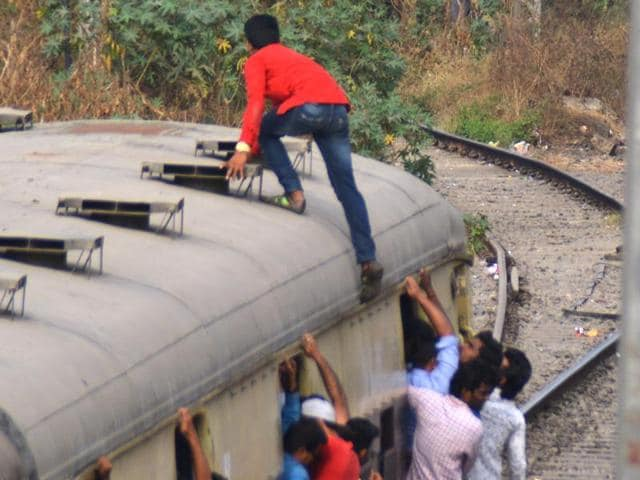 Mumbai Local,Suburban Trains,Accidental Deaths