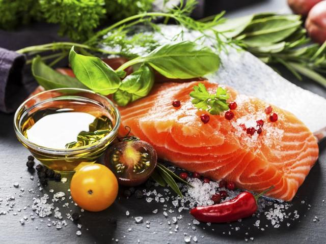 The main foods in the Mediterranean diet include plant foods, such as leafy greens, fresh fruit and vegetables, cereals, beans, seeds, nuts and legumes.