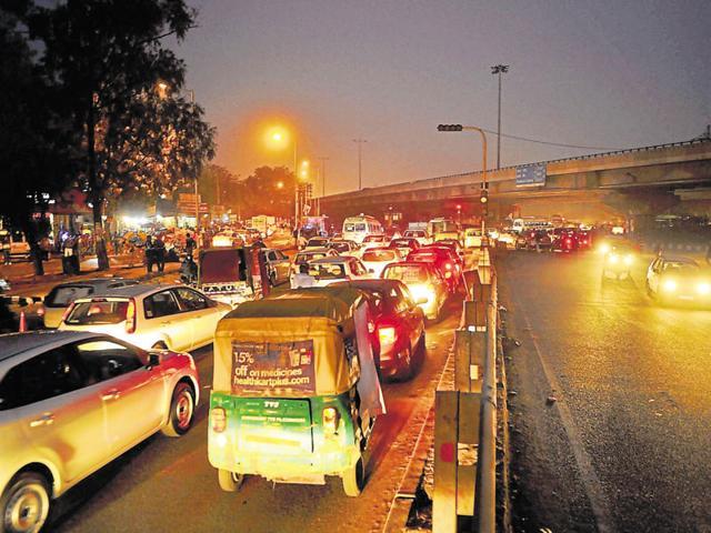 traffic lights,Gurgaon,water supply