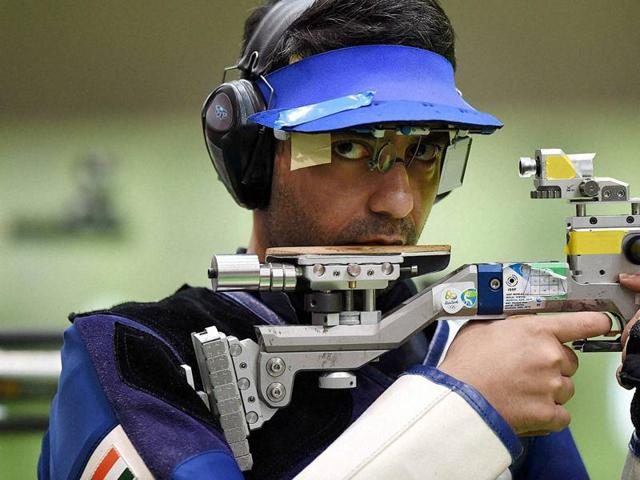 Abhinav Bindra missed out on bronze in the men's 10m air rifle by a whisker.