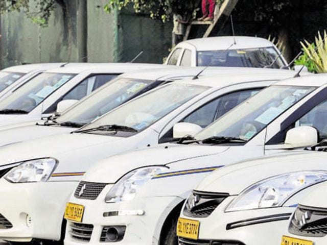 Madhya Pradesh transport department banned the services of taxi aggregators Ola and Uber.(HT File Photo)