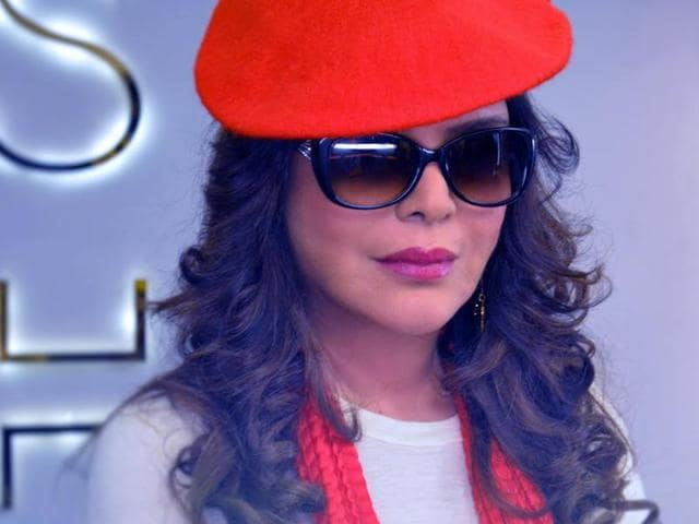 Zeenat Aman dons a glamourous look for her web series.