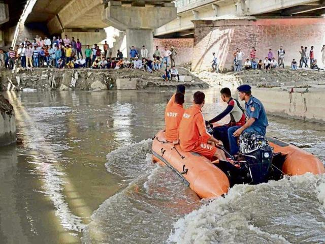 Hindon River,boy drowned,Ghaziabad