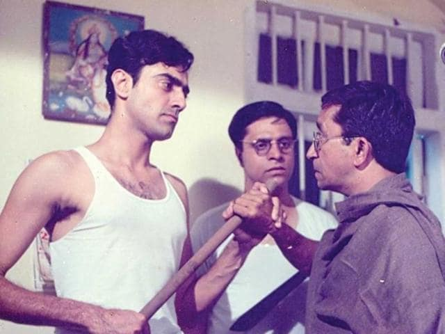 Byomkesh Bakshi that aired from 1993 to 1997 was the story of a soft-spoken astute investigator, played by Rajit Kapur.