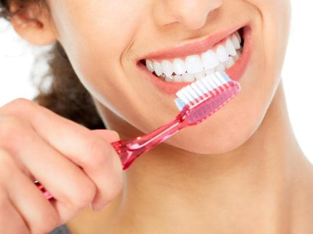 While most people want to brush their teeth properly, they often do not do it because of lack of knowledge about proper techniques, say researchers.
