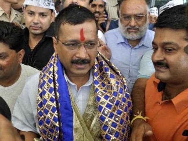 Delhi chief minister Arvind Kejriwal being welcomed by AAP workers and supporters on his arrival in Dharamshala.