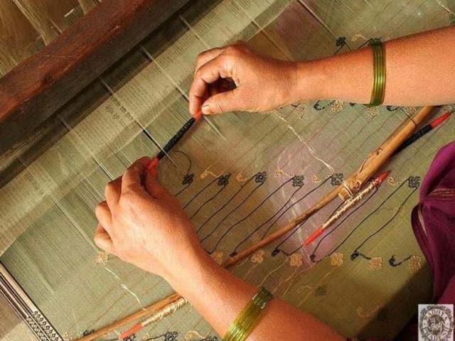 carpet weavers,Gwalior,Kaleen Kendra
