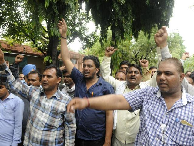 electricity theft,BJP,MLA