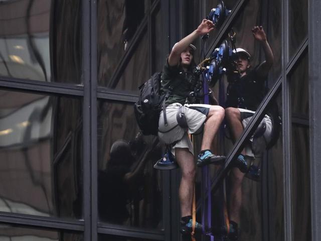 Donald Trump,Trump Tower,Man scales Trump Tower