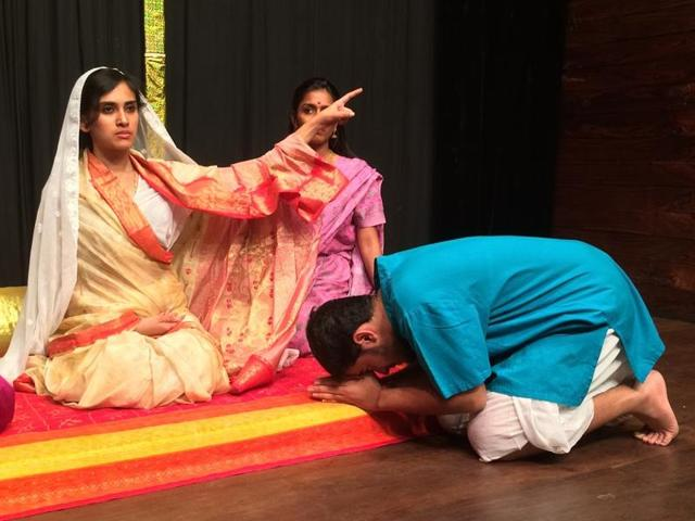 Rani Laxmibai in a scene from the play 1857 – India's War of Independence.(Courtesy Akshara Theatre)