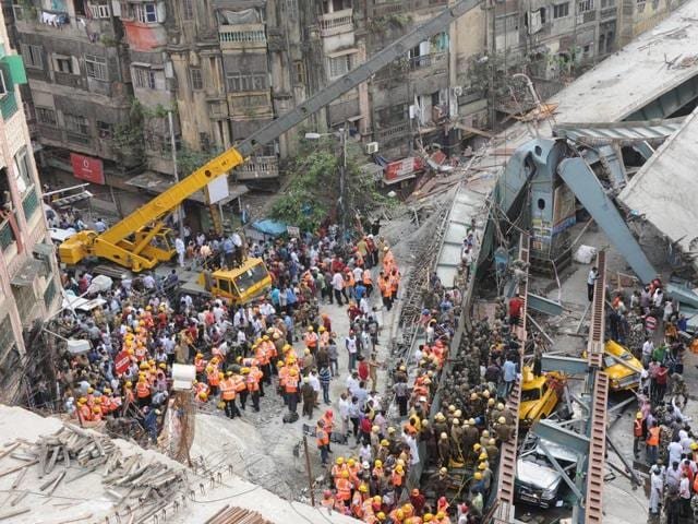 Portion of the flyover that collapsed in March this year.(Subhankar Chakraborty/HT)