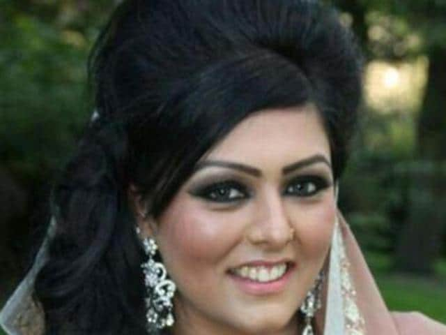 At a press conference last week, Samia Shahid's husband Syed Mukhtar Kazim presented a copy of a post-mortem report which said the 28-year-old had marks on her neck, suggesting she was strangled.(AFP)