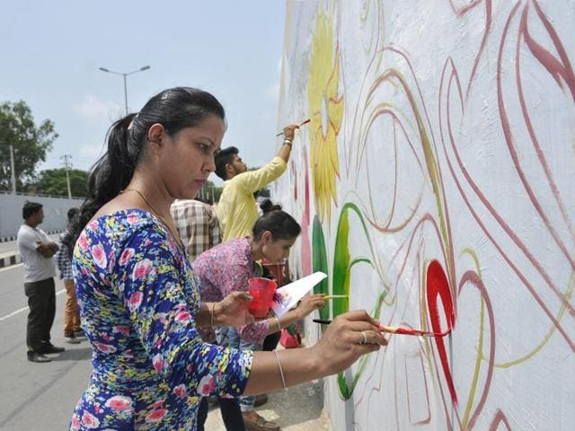 "Artists have taken it upon themselves to get the ""Grafitti captital"" tag for Ludhiana."