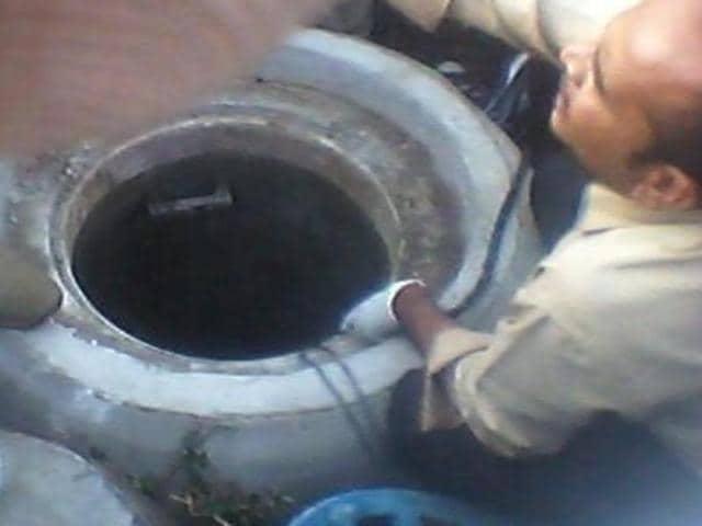 Manhole deaths