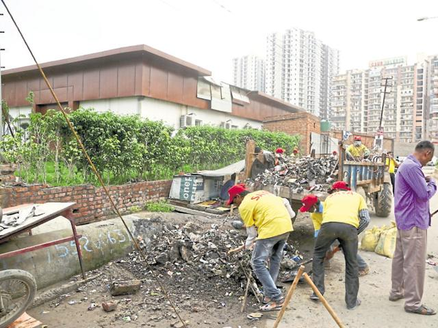 Around 500 workers of the Ghaziabad Development Authority and Saya Group, a realty firm, were involved in cleaning the area.