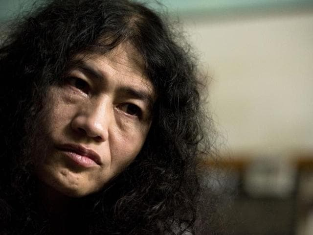 Irom Sharmila seen in the special ward of the Jawaharlal Nehru Institute of Medical Sciences hospital after breaking a 16-year fast.(Saumya Khandelwal/HT PHOTO)