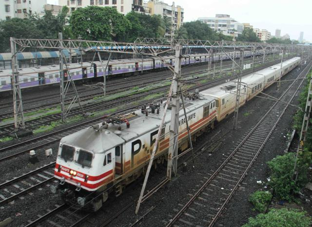 According to the original speed trial schedule between the two cities, the railway authorities had planned total four trials — two at 130kmph, one at 140 kmph and one at 150kmph.(Hindustan Times)