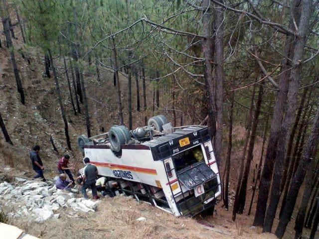 Bus falls in ravine