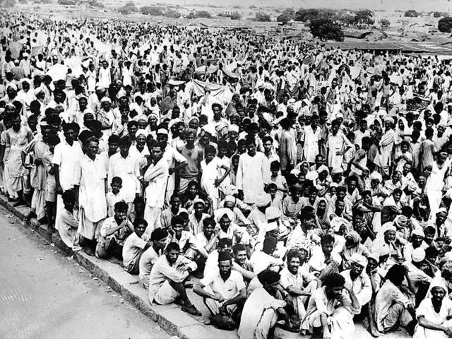 Refugees gather in Delhi after fleeing Punjab riots.