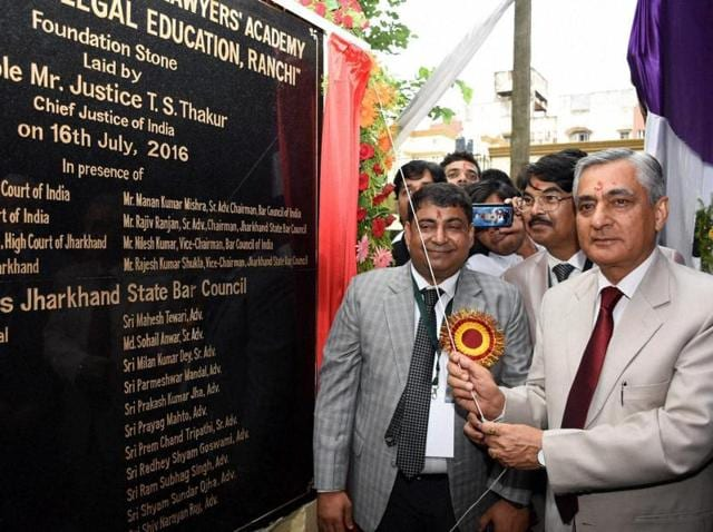 Chief Justice TS Thakur lays the foundation stone of Bar Council Lawyers Academy in Ranchi.