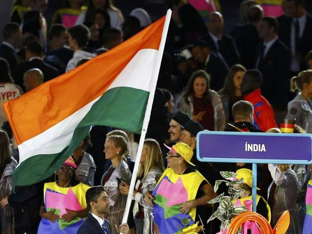 The athletes expected good food to be served at the reception, or at least decent Indian snacks, since most of them were missing home food.
