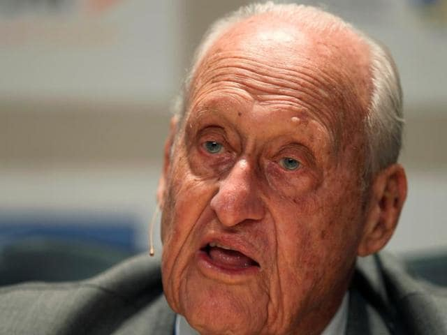 As head of Fifa for 24 years and with half a century on the International Olympic Committee (IOC), Havelange thought and acted big, becoming a central figure in the evolution of today's sporting mega-events.
