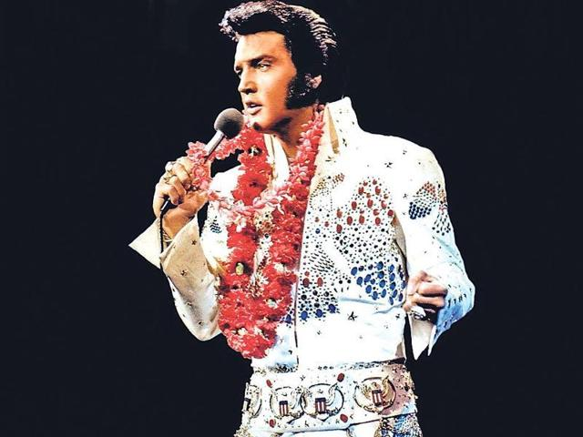 Fans of Elvis Presley came to his grave, located on the grounds of his former home-turned museum, in Graceland to pay their respects.